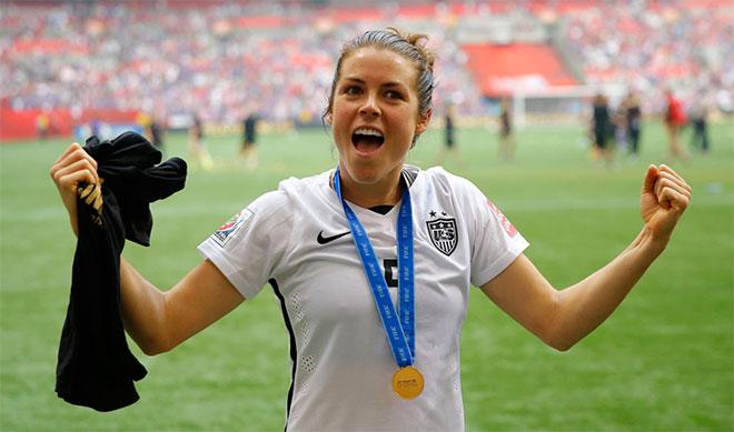 2015 World Cup Champion Kelly O'Hara ::: Click to listen